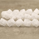 Cristal de roche cube diagonal givré 10mm