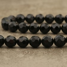 Onyx noir d'Afrique du Sud facetté 12mm