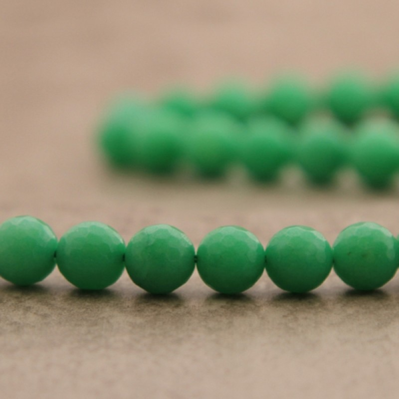 "Jade ""chrysoprase"" facetté 10mm"