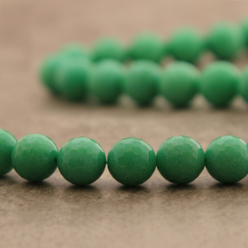 "Jade ""chrysoprase"" facetté 12mm"